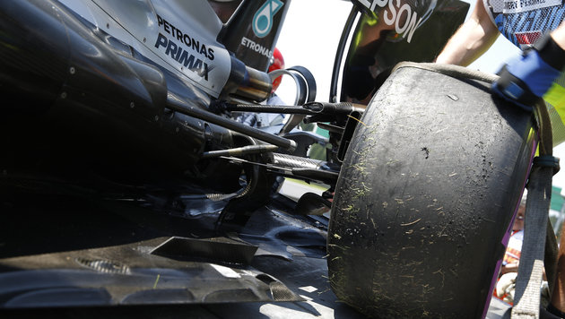 Mysteriöser Rosberg-Unfall im dritten Training (Bild: APA/ERWIN SCHERIAU)