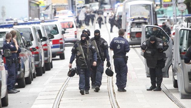 Billa-Überfall: Polizist (23) erlag Verletzungen (Bild: Martin Jöchl)