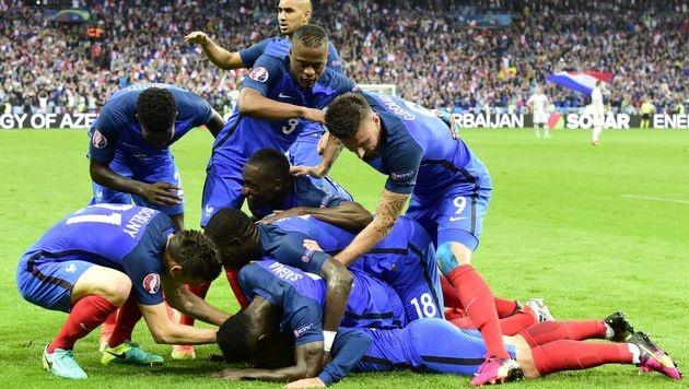 Frankreichs Zaubershow beendet Islands Märchen (Bild: APA/AFP/TOBIAS SCHWARZ)