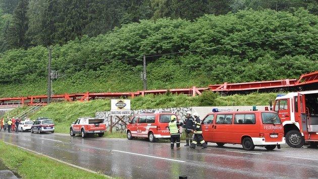Heftige Unwetter: West- und Südbahn lahmgelegt (Bild: APA/BFVMZ / PUSTERHOFER)