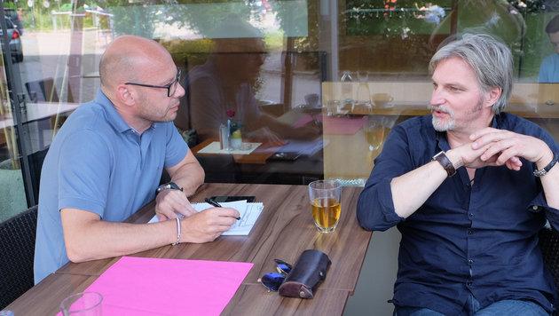 Schauspieler Stefan Jürgens (r.) sprach mit Andi Schwantner. (Bild: Chris Koller)
