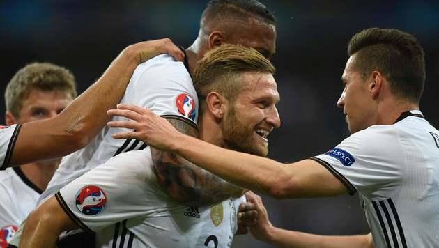 Jubelt Shkodran Mustafi auch gegen Frankreich? (Bild: APA/AFP/MARTIN BUREAU)