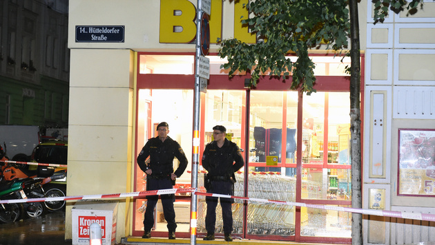 In diesem Supermarkt spielte sich der Überfall ab. (Bild: APA/HERBERT P. OCZERET)
