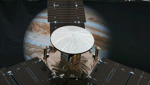 """Ein """"Juno""""-Modell in einem NASA-Labor in Pasadena, Kalifornien (Bild: ASSOCIATED PRESS)"""