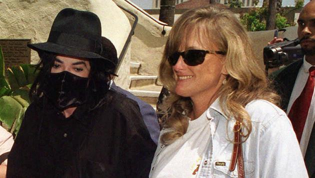 Michael Jackson und Debbie Rowe (Bild: AP)