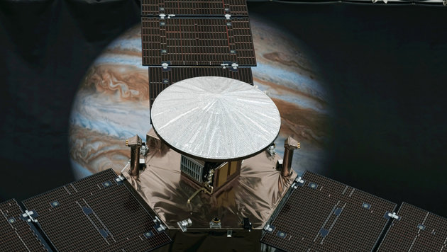 "Ein ""Juno""-Modell in einem NASA-Labor in Pasadena, Kalifornien (Bild: ASSOCIATED PRESS)"