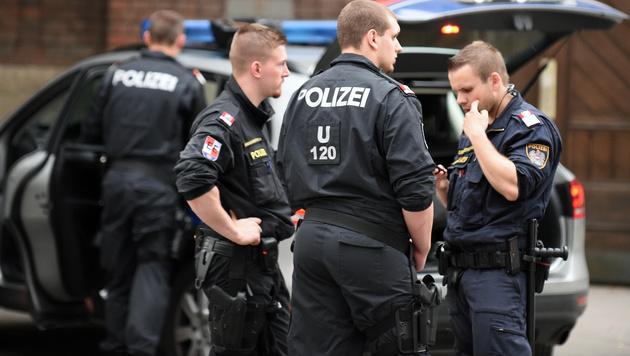 Supermarktraub: Auch Komplize zielte auf Polizei (Bild: APA/HERBERT P. OCZERET)