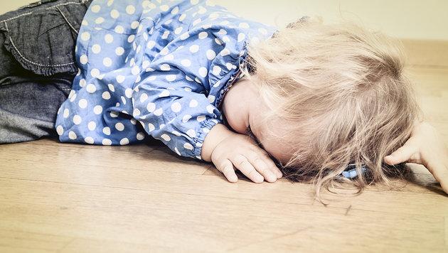 Vater schlug 18 Monate alten Sohn mit Schuhlöffel (Bild: thinkstockphotos.de (Symbolbild))
