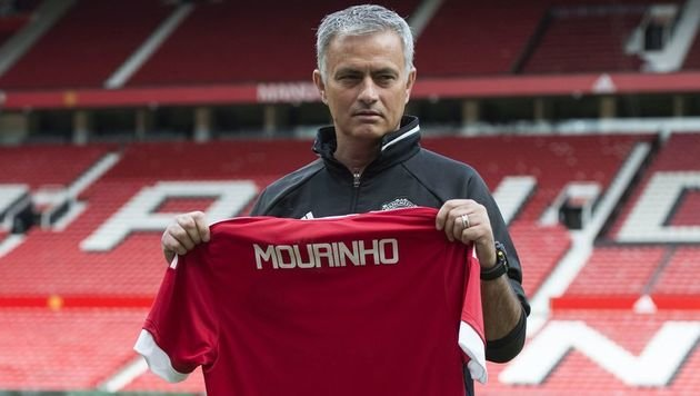 "Was Mourinho mit ManU will? ""Alles!"" (Bild: AFP or licensors)"