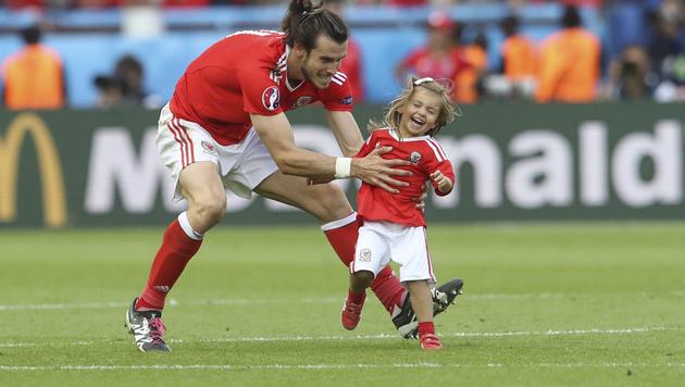 Wales-Aushängeschild Bale ohne große Star-Allüren (Bild: AP)