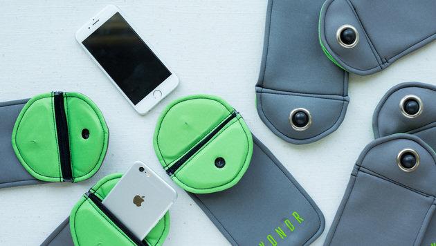Firma entwickelt Handyhülle mit Sicherheitsschloss (Bild: Yondr)