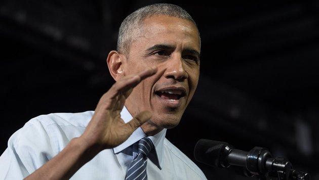 """Obama unterstützt Clinton: """"Ich glaube an sie"""" (Bild: APA/AFP/Nicholas Kamm)"""