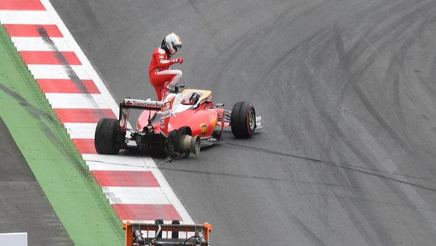 Vettels Reifenplatzer: Pirelli weist Schuld zurück (Bild: AP)