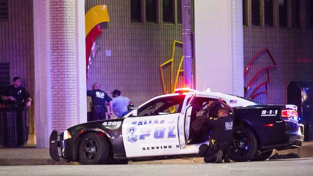 Fünf US-Polizisten von Heckenschützen getötet (Bild: AP)