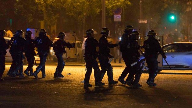 Ausschreitungen auf Champs-Elysees nach Halbfinale (Bild: AFP or licensors)