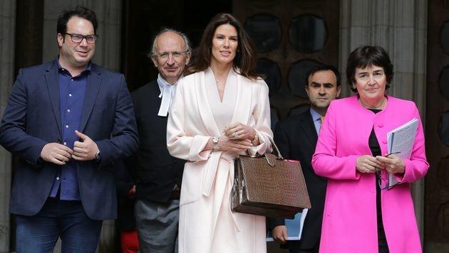 Christina Estrada bekam vor Gericht 62 Millionen Euro zugesprochen. (Bild: APA/AFP/DANIEL LEAL-OLIVAS)