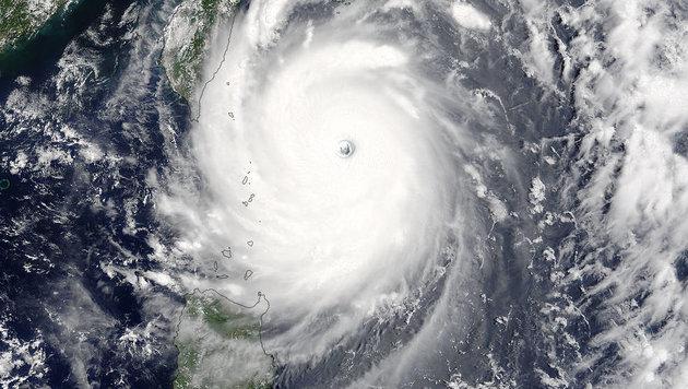 "Eine Satellitenaufnahme des Taifuns ""Nepartak"" (Bild: NASA Goddard MODIS Rapid Response/Jeff Schmaltz)"