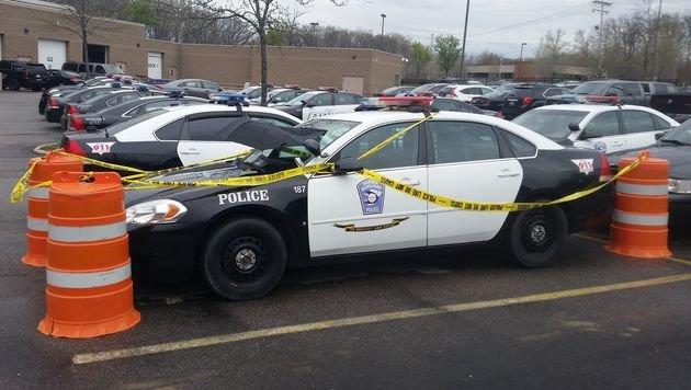 US-Polizei schützt am Dienstwagen brütende Taube (Bild: City of Parma)