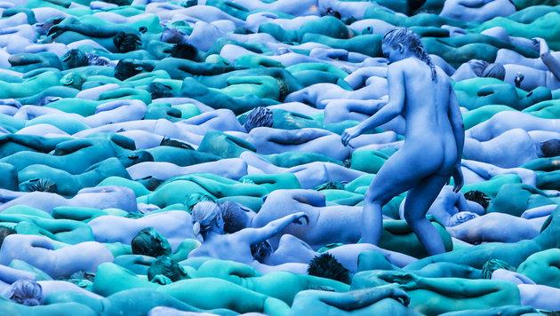 3200 Nackte posieren für Fotokünstler (Bild: Associated Press)