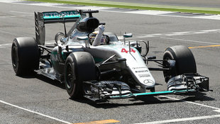 "Hamilton ""daheim"" souver�n ++ Rosberg bestraft (Bild: AP)"