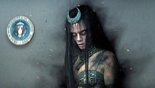 """Cara Delevigne in einer Szene des Films """"Suicide Squad"""" (Bild: Viennareport)"""