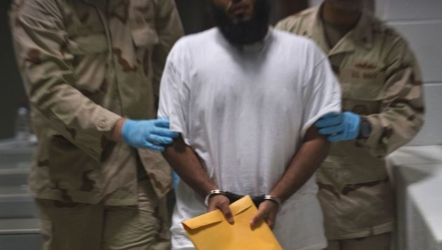 Ein Gefangener in Guantanamo (Bild: APA/AFP/PAUL J. RICHARDS)