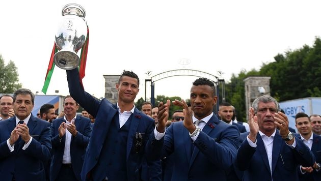 So feierten Cristiano Ronaldo und Co. den EM-Titel (Bild: AFP or licensors)