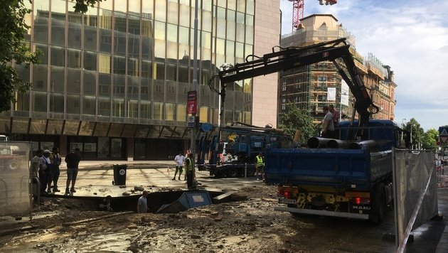 Wasserrohr-Schaden: Reparatur dauert bis Mittwoch (Bild: krone.tv)