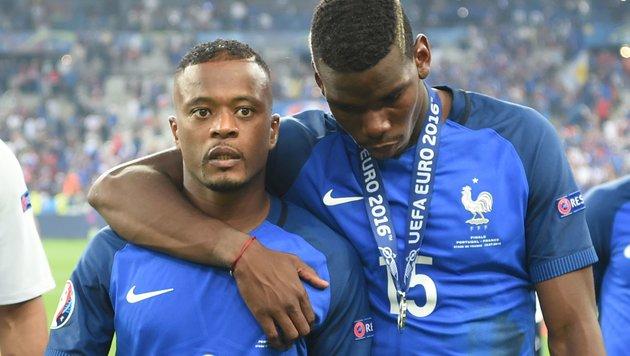 """Frankreich weint: """"Haben große Chance vergeben"""" (Bild: APA/AFP/PATRIK STOLLARZ)"""