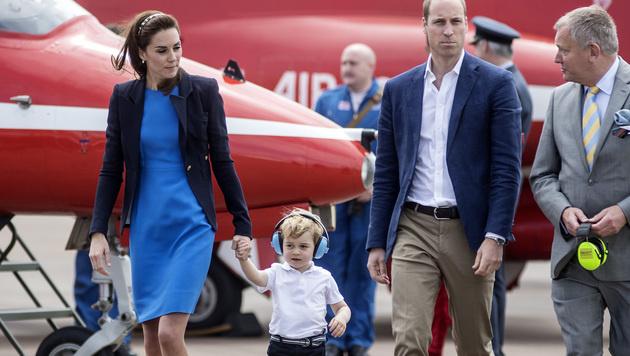 Herzogin Kate, Prinz George, Prinz William (Bild: APA/AFP/POOL/RICHARD POHLE)
