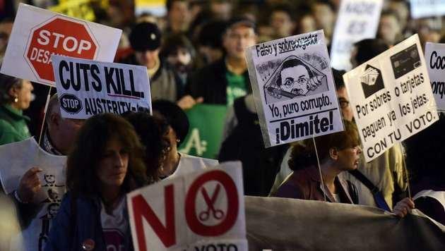 Proteste in Spanien gegen die Sparpläne der Regierung (Bild: APA/AFP/JAVIER SORIANO)