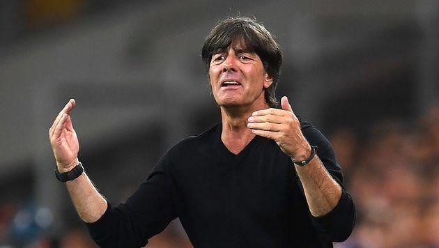 Jogi Löw bleibt deutscher Teamchef (Bild: APA/AFP/PATRIK STOLLARZ)