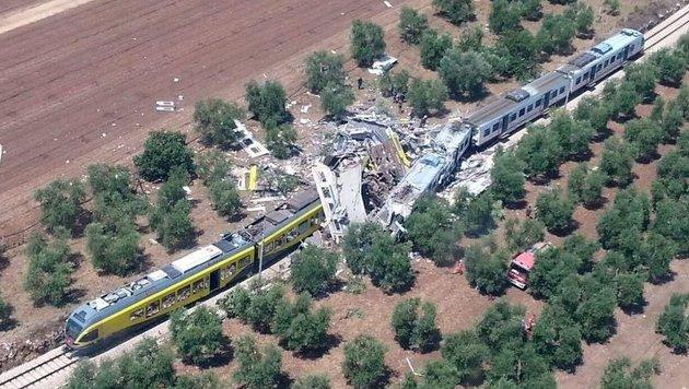 Zugkatastrophe in Italien: Suche nach Schuldigen (Bild: Italian Fire Brigade)