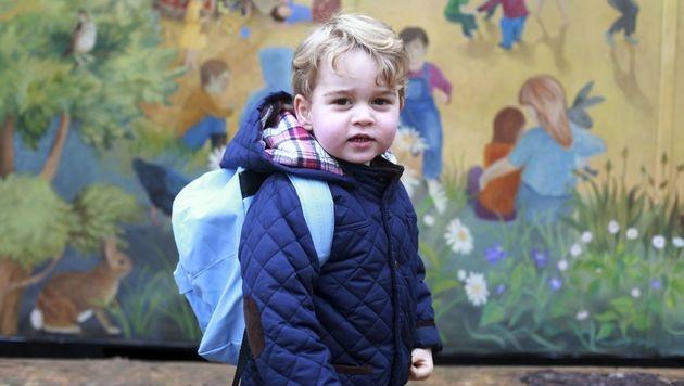 Prinz George bei seinem ersten Tag im Kindergarten (Bild: APA/AFP/KENSINGTON PALACE/HRH DUCHESS OF CAMBRIDGE)