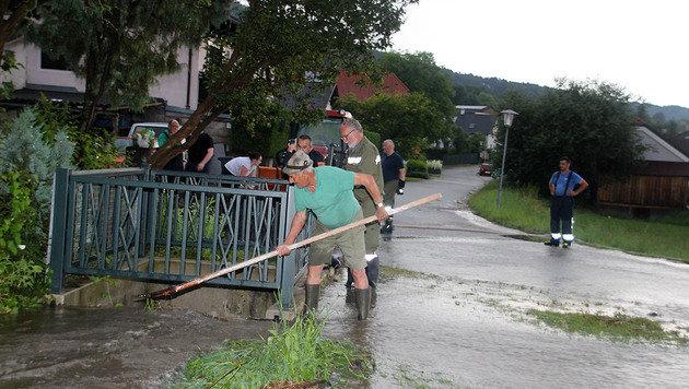 Aufräumarbeiten im Bezirk Baden (Bild: Markus Hackl/Presseteam BFK BADEN)