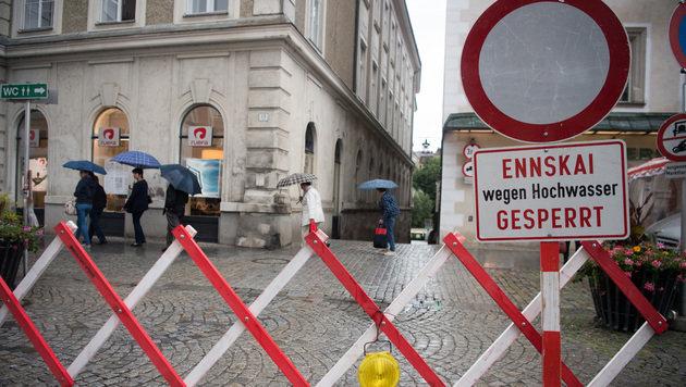 Der Pegel der Enns stieg durch die Regenfälle gefährlich an. (Bild: APA/FOTOKERSCHI.AT)