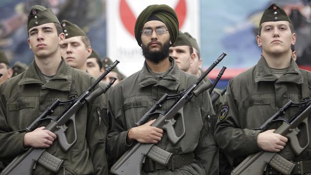 Bundesheer erlaubt Soldaten ab sofort Vollbärte (Bild: APA/GEORG HOCHMUTH)