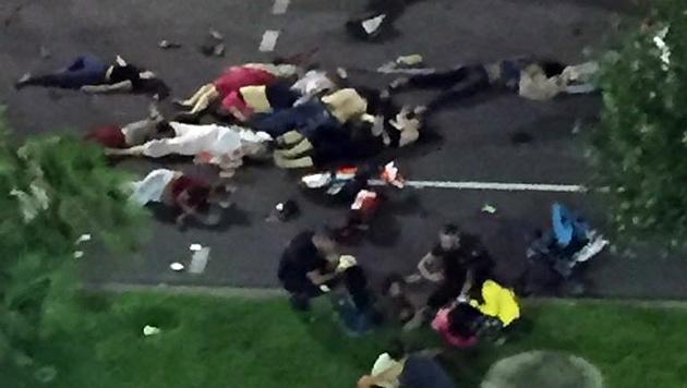 Mit Lastwagen durch Menschenmenge gerast - 84 Tote (Bild: AP)