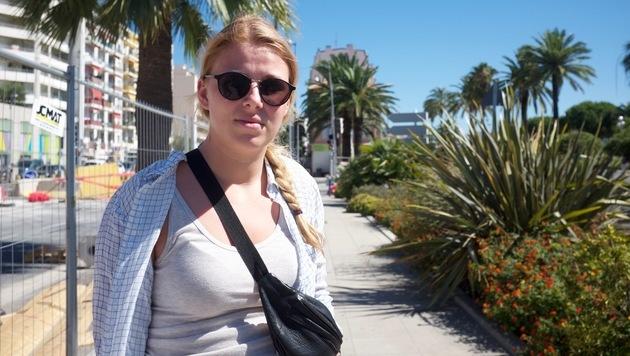 """Maria (21): """"Meine Freundin befand sich unmittelbarer Nähe. Ich hatte schreckliche Angst um sie."""" (Bild: Denis Richard)"""