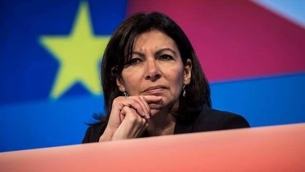 Die Pariser Bürgermeisterin Anne Hidalgo (Bild: APA/AFP/POOL/CHRISTOPHE PETIT TESSON)