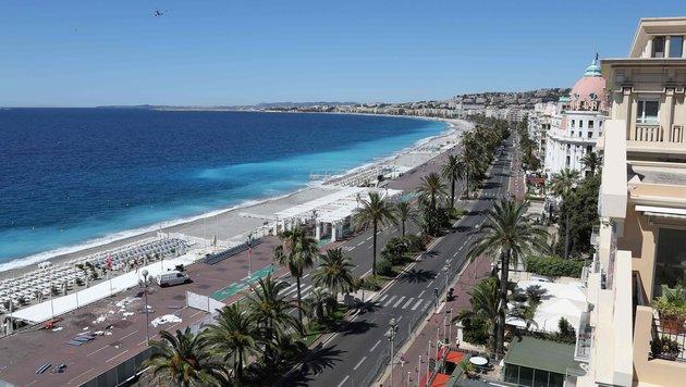 Die Promenade des Anglais in Nizza am Tag nach dem schrecklichen Anschlag (Bild: AFP)
