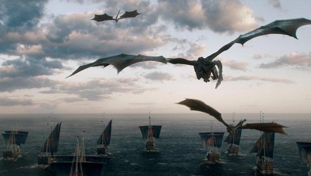 """Die Drachen segeln mit: Szenenbild aus dem Staffelfinale von """"Game of Thrones"""" (Bild: HBO)"""
