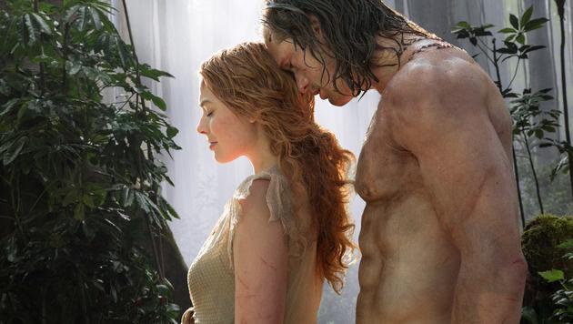 "Margot Robbie mit Alexander Skarsgard in ""Tarzan"" (Bild: AP)"