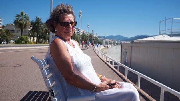 """Camille (81): """"Mein Handy klingelt seit 1 Uhr ununterbrochen. Alle machen sich Sorgen um mich."""" (Bild: Denis Richard)"""