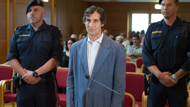 Der Angeklagte im Doppelmord-Prozess von Leonding (Bild: fotokerschi.at/Werner Kerschbaummayr)