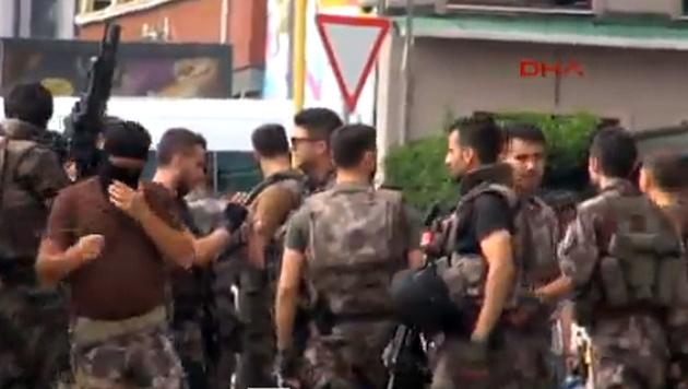 Istanbul: Attentat auf Vize-Bürgermeister (Bild: Twitter.com/hürriyetTV)