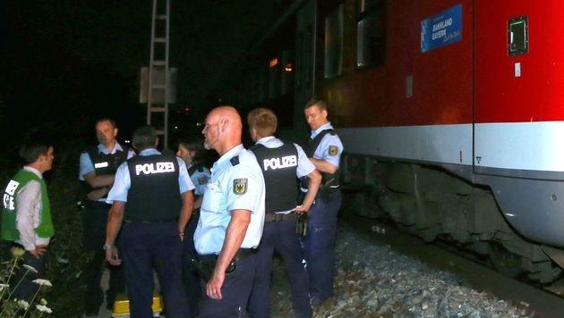 Bayern: Flüchtling (17) richtet Blutbad in Zug an (Bild: AFP)