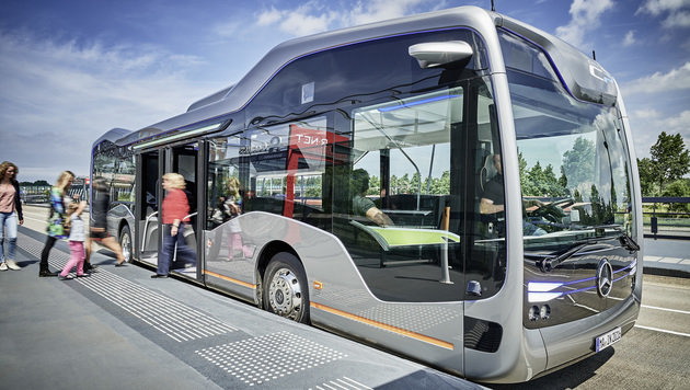 Daimler schickt selbstfahrenden Bus auf die Straße (Bild: Daimler AG)