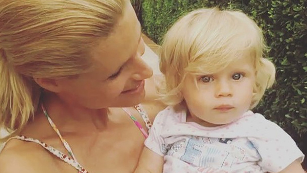 Bald ein Brüderl für Celeste? Michelle Hunziker heizt Gerüchte um Schwangerschaft an. (Bild: instagram.com/therealhunzigram)