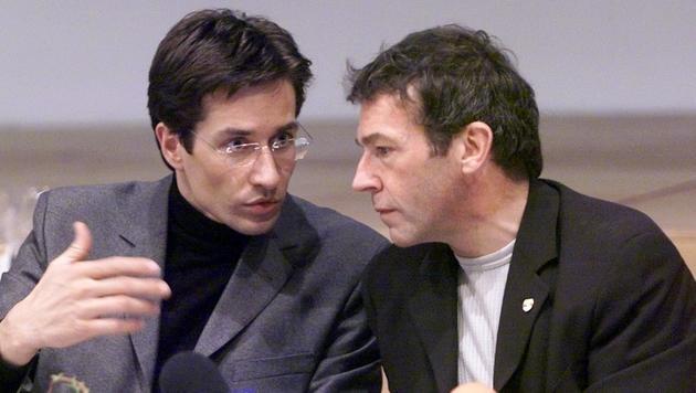 Karl-Heinz Grasser und Jörg Haider im Jahr 2000 (Bild: APA/EGGENBERGER GERT)